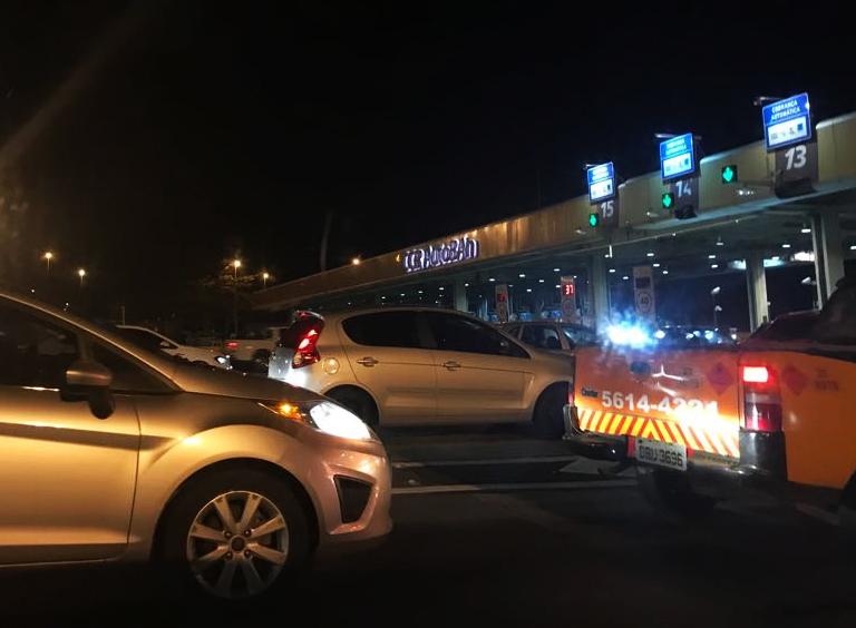 Fluxo de veículos nas estradas pedagiadas cai 0,10% em agosto, diz ABCR