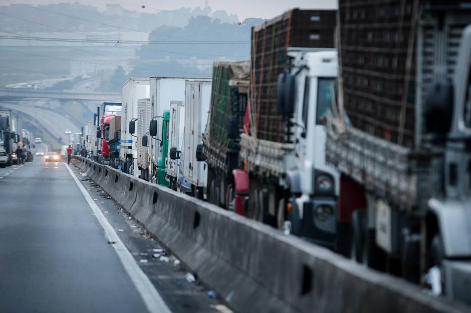 Caminhoneiros de Goiás falam em bloquear estradas para exigir piso mínimo do frete