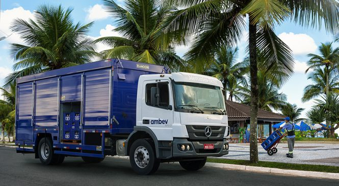 Mercedes-Benz e Cervejaria Ambev anunciam parceria de 228 caminhões