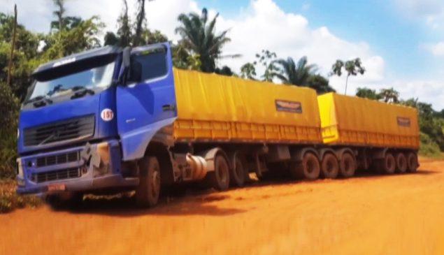 Atoleiros na BR-163 no PA deixam caminhões parados por mais de 24 horas
