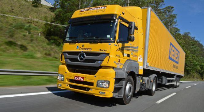 Mercedes-Benz vende 222 caminhões para Transpanorama que vão prestar serviços aos Correios.