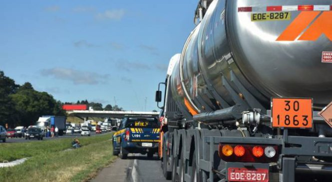 ANTT faz fiscalização às pressas para conter greve de caminhões