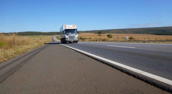 Fux suspende multa a transportadoras que não cumprirem tabela de frete