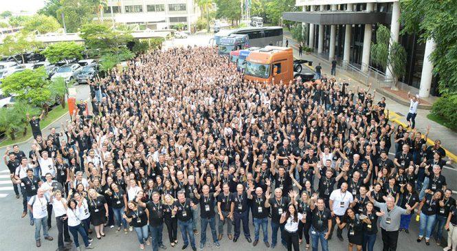 Mercedes-Benz mobiliza todos os funcionários para resolver demandas dos clientes