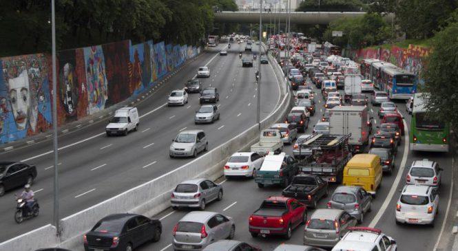 Rodízio de veículos permanece suspenso por mais sete dias