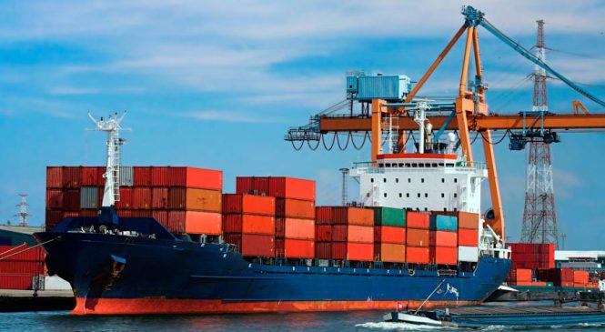 Depois de tabelamento do frete, empresas trocam caminhão por navio