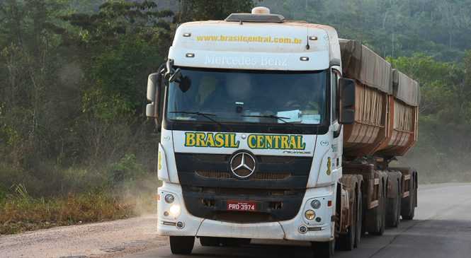 Mercedes-Benz vende 100 caminhões Actros 2651 para a Brasil Central