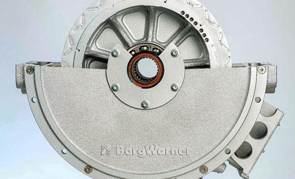 Motor Elétrico da BorgWarner Movimenta Caminhão Híbrido Plug-in.
