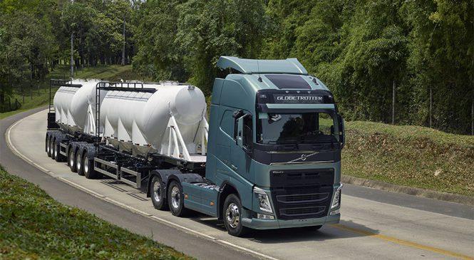 """Volvo FH 540 6×4 é o """"Caminhão do Ano"""" no Prêmio Lótus"""