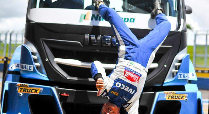 Giaffone faz história ao cravar pole na estreia da nova equipe Usual Racing