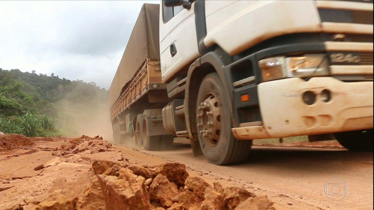 Estrada precária impede safra de soja de ser escoada para portos do Norte
