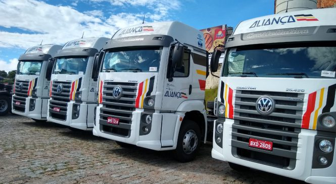 Apta Caminhões e Ônibus vende 50 caminhões para a Aliança Logística