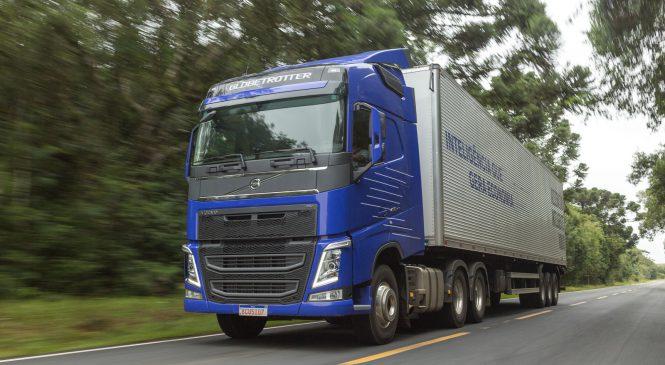 Nova tecnologia de Aceleração Inteligente faz Volvo FH ficar até 10% mais econômico