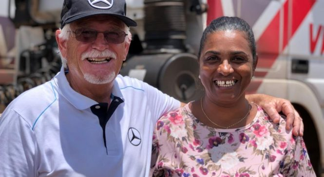 "Mercedes-Benz realiza desejo das motoristas pelo movimento ""A Voz Delas"""