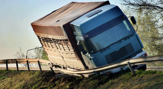 Confira as cinco causas mais comuns de acidentes com caminhões