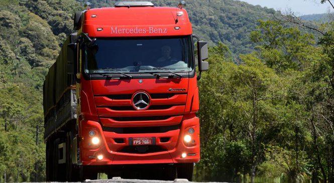Caminhão Mercedes-Benz Actros 2651 é destaque na maior feira agro da região Norte