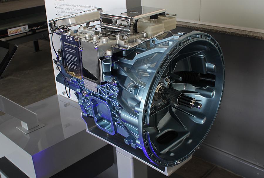 Transmissão Automatizada desenvolvida pela Eaton no Brasil equipa caminhões Mercedes-Benz Accelo