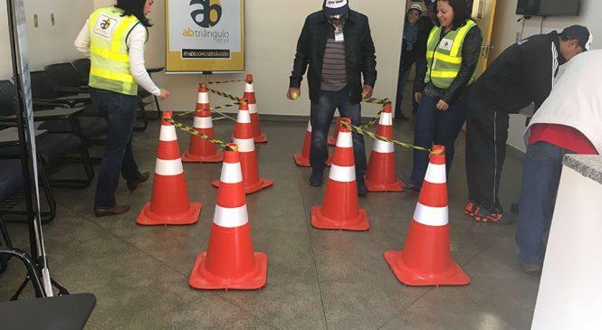 Concessionária realiza ações com óculos de embriaguez na SP-310