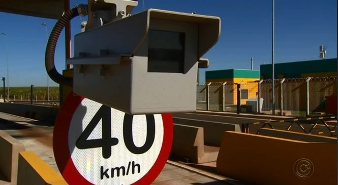 Radares já estão multando motoristas que ultrapassam 40 km/h nos pedágios
