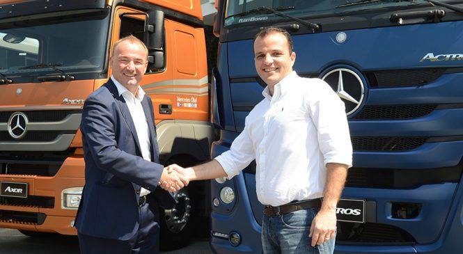 Mercedes-Benz vende 500 caminhões para as operações de transporte de bebidas da Ambev