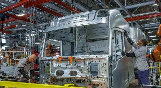 Caminhões pesados mantêm o ritmo de produção em alta