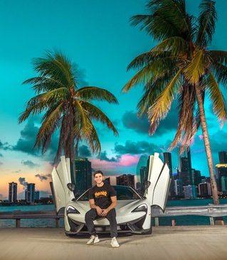 Fanático por carros exóticos, Caio Araújo divide sua paixão em seu canal no Youtube