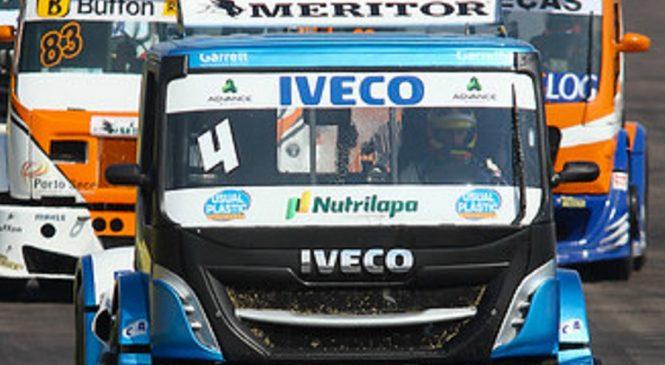 Extrapesados da IVECO cruzam a fronteira para mais uma etapa da Copa Truck