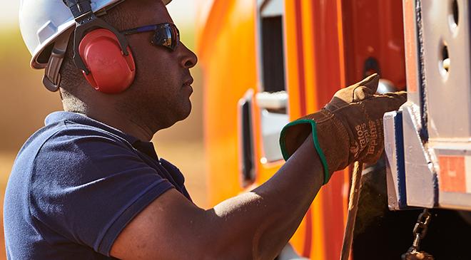 Antes de viajar, fique atento a algumas peças no seu caminhão