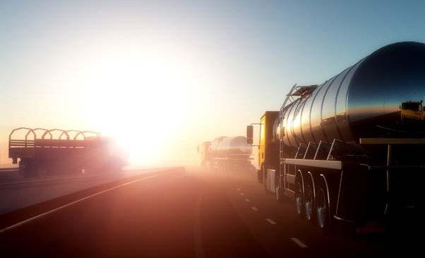 Motorista de caminhão com tanque extra pode ter direito a adicional de periculosidade