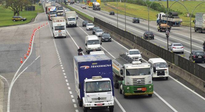 Após exame toxicológico obrigatório, habilitações para caminhoneiros e motoristas de ônibus caíram 18%