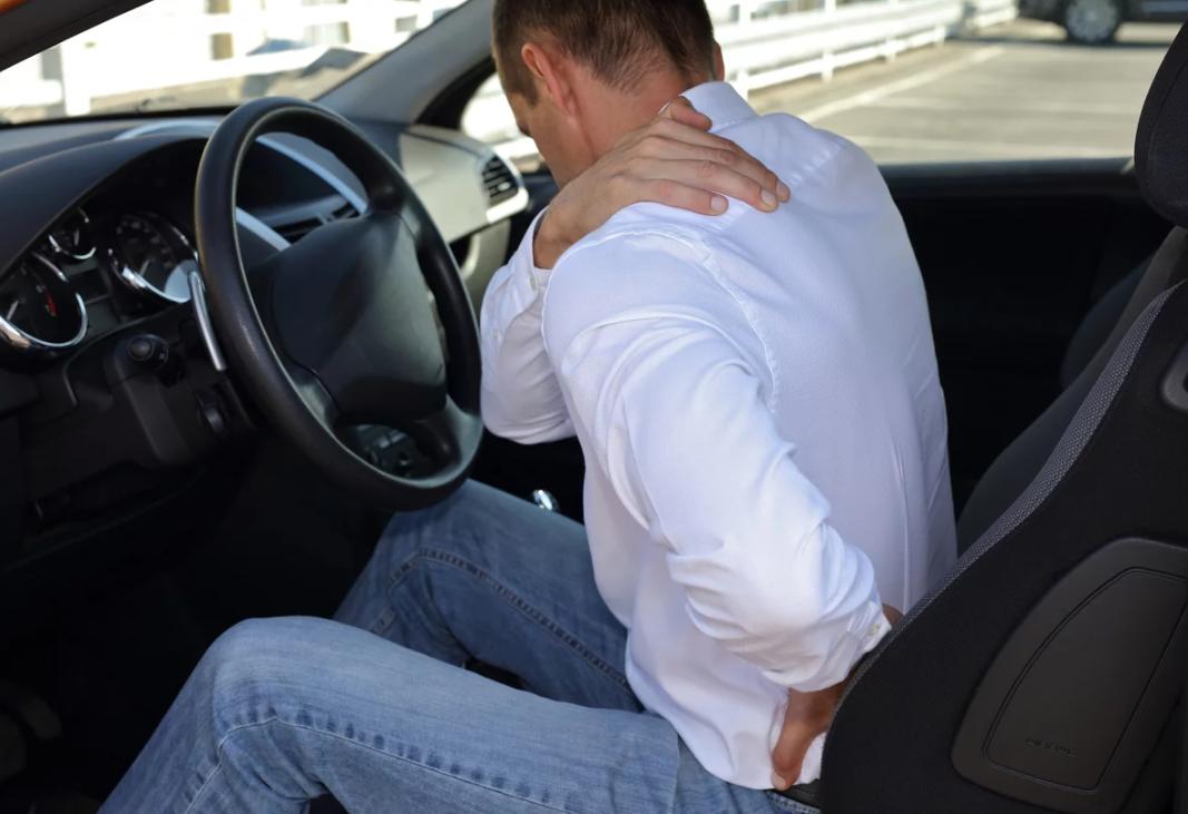 Detran de SP dá dicas sobre postura para dirigir e evitar dores nas costas
