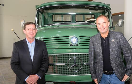 Mercedes-Benz firma parceria para contratação preferencial de funcionários da Ford