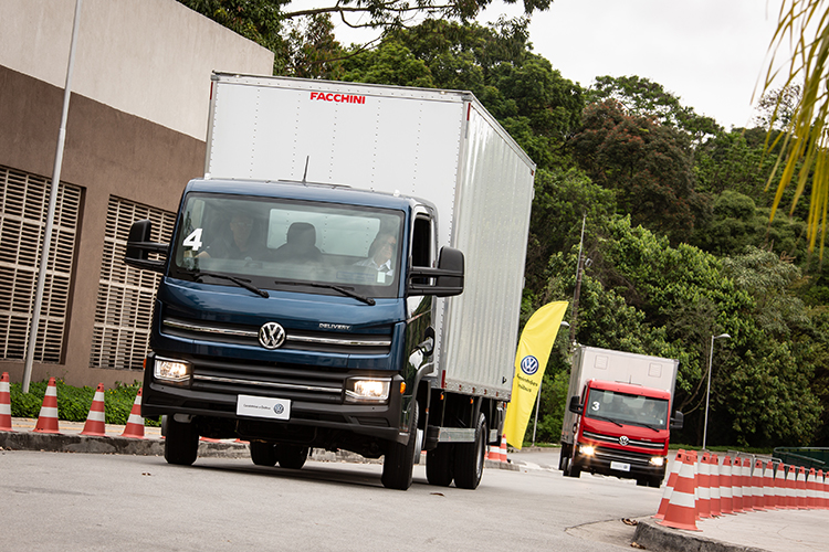 VW Caminhões e Ônibus realiza mais de 1.200 test-drives na Fenatran 2019
