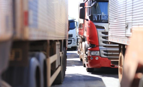 Governo prepara linha de crédito para caminhoneiros