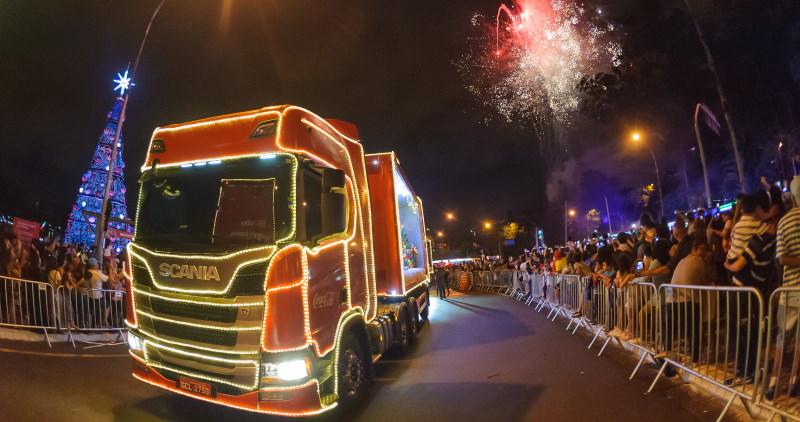 Scania participa da Caravana de Natal Coca-Cola FEMSA 2019