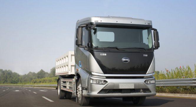 BYD chega à NL com três caminhões elétricos