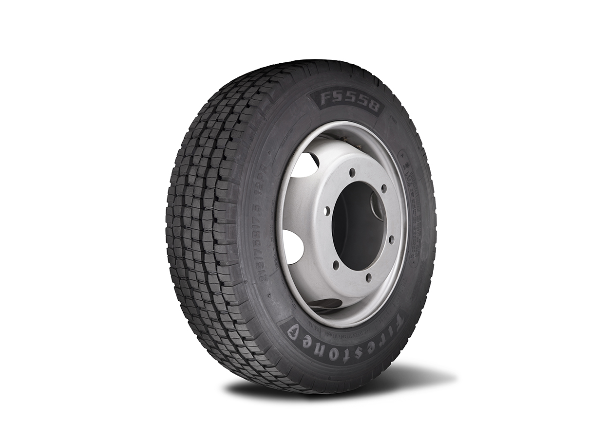 Firestone anuncia extensão de linha para o segmento de micro-ônibus e caminhões leves com performance quilométrica 10% melhor