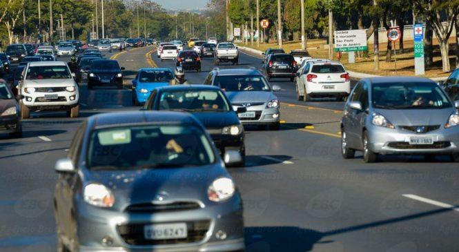 CCJ aprova dispensa de farol aceso durante o dia em rodovias integradas a áreas urbanas