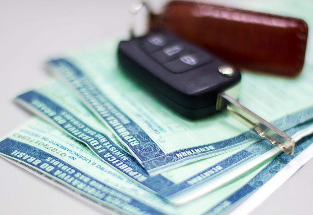 Novembro é mês de licenciar veículos com placas final 9