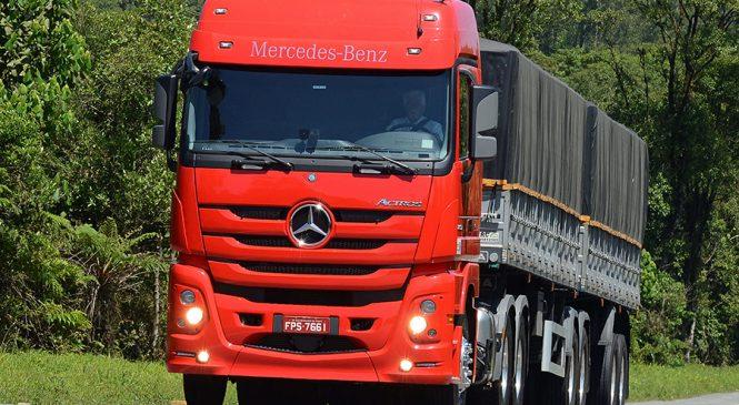Actros 2651 é eleito o melhor caminhão do ano no Prêmio Top Truck TV