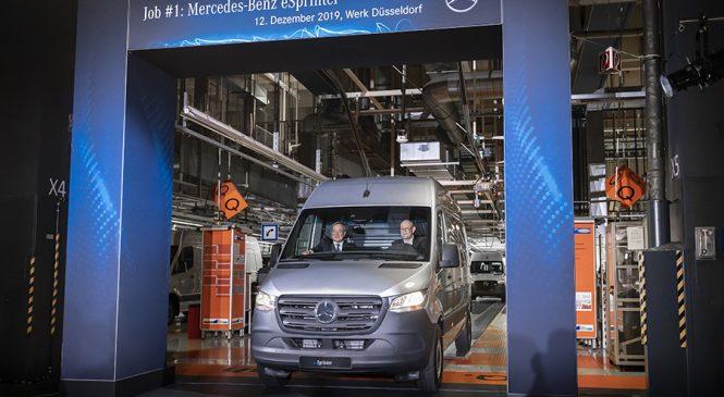 Fábrica da Mercedes-Benz em Dusseldorf  celebra o início de produção da Sprinter elétrica