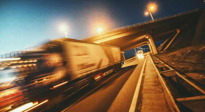 Indústria de implementos alerta para altura de baús e viadutos