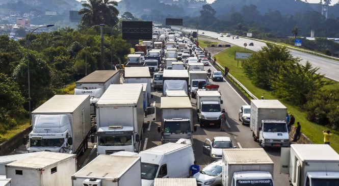 Possibilidade de greve de caminhoneiros é pequena, diz porta-voz da Presidência