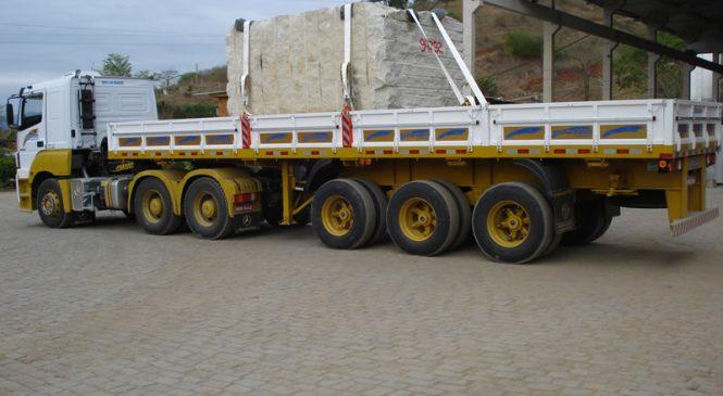 Contran estabelece novas regras para o transporte de blocos e chapas serradas de rochas