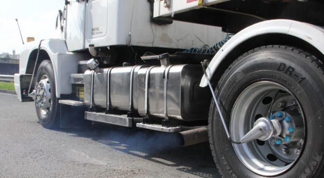 Senador critica proibição de venda de veículos movidos a gasolina e diesel em 2030