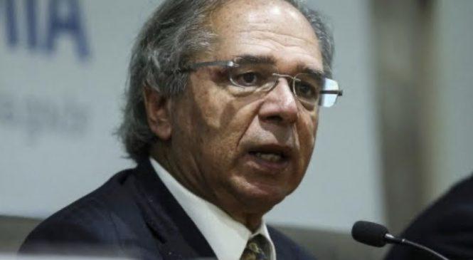 'Eu, como economista, gostaria da retomada. Como cidadão, quero ficar em casa', diz Guedes
