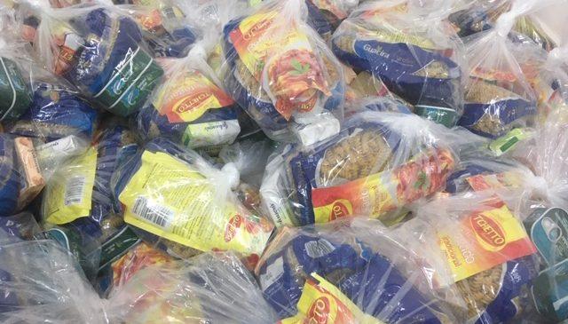 AB Triângulo do Sol distribui kits de alimentação e higiene aos caminhoneiros