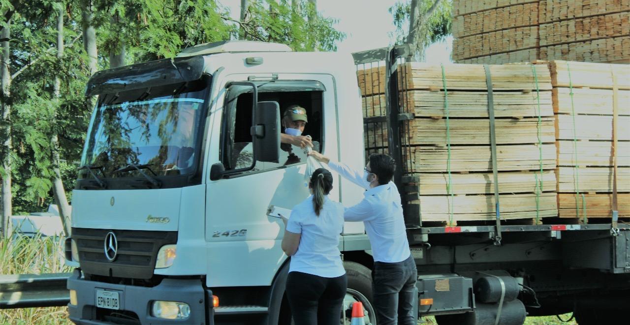 Rede Solidária Chico da Boleia mobiliza corrente de apoio aos caminhoneiros