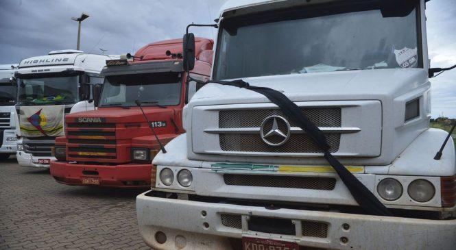 Brasil e México ampliam livre comércio e incluem ônibus e caminhões