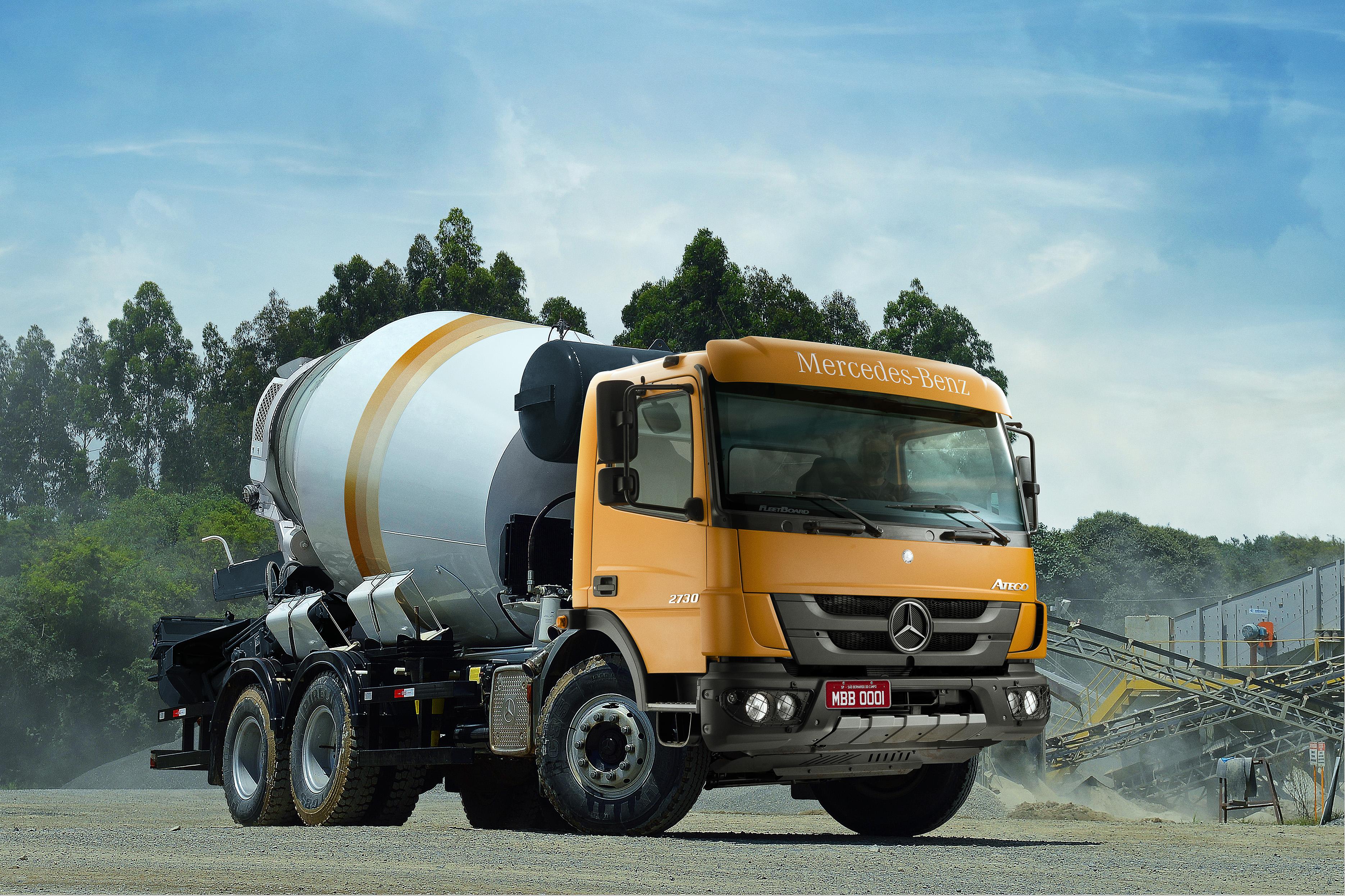Mercedes-Benz vende 80 caminhões Atego para Unidas Trucks